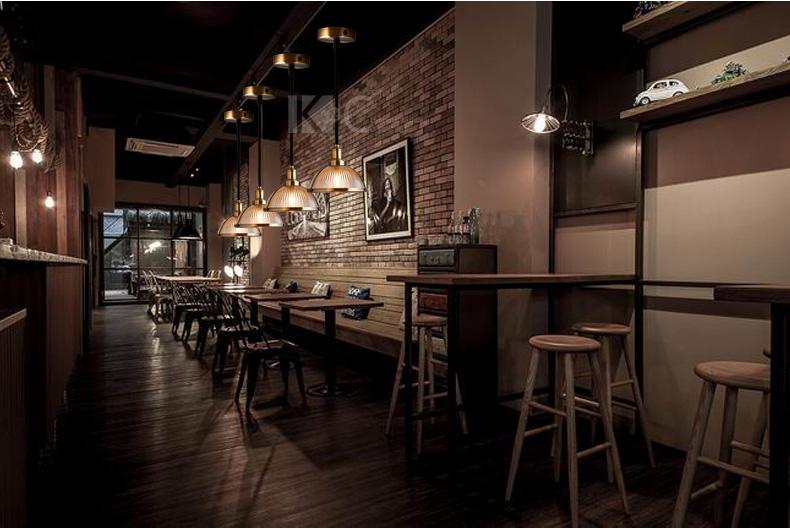 den-tha-chao-thuy-khung-mau-dong-trang-tri-quan-cafe